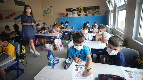 Sınıf öğretmenlerinin yüzde 89'u iki doz aşılı