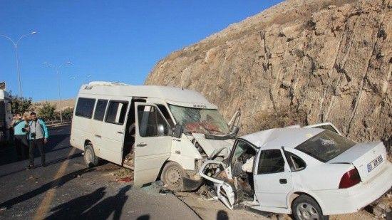 Tarım işçilerini taşıyan araç kaza yaptı! Ölü ve çok sayıda yaralı var