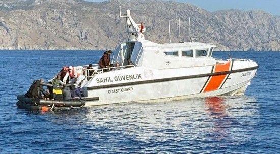 Türk karasularına geri itilen 40 düzensiz göçmen kurtarıldı