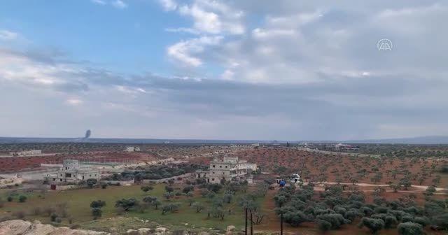 TSK, sivil yerleşimleri vuran Esad rejimi topçusuna karşılık veriyor