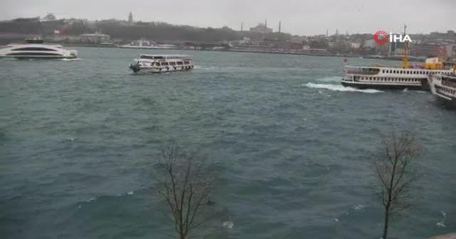 İstanbul'un tarihi meydanları boş kaldı!