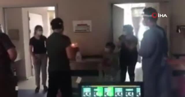 Koronavirüs hastası minik ikizlere hastanede doğum günü sürprizi