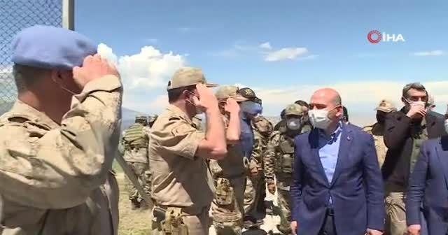 İçişleri Bakanı Soylu, İran sınırında incelemelerde bulundu