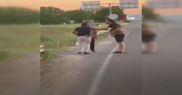 Trafikte dehşet anları: Elinde bıçakla böyle kovaladı