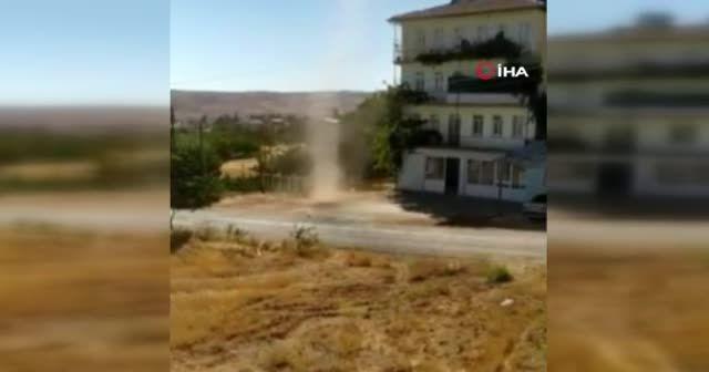 Elazığ'da meydana gelen hortum kamerada