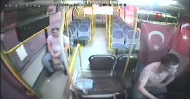 Tepki çeken hareket! Durdurduğu otobüse binmedi bakın ne yaptı