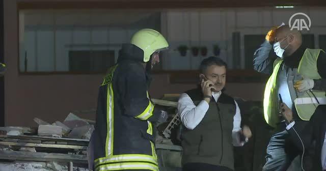 Bakan Pakdemirli'den canlı yayında kurtarma telefonu: Şu an gürültü duyabilir musun Buse?
