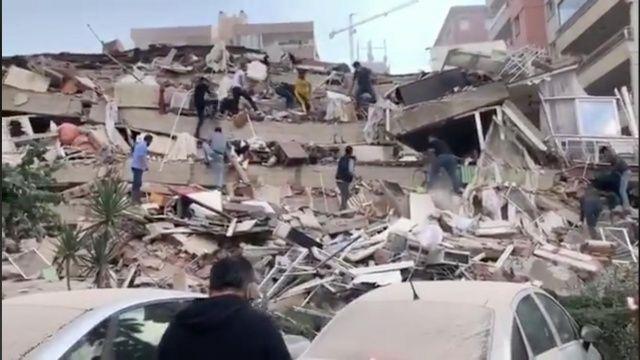 İzmir'deki depremin ardından ilk görüntüler