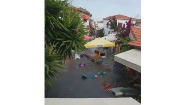 Şeferihisar'da meydana gelen depremin ardından deniz taştı