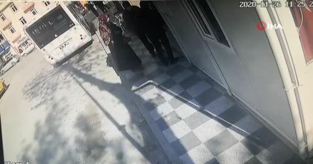 Karantinada olması gerekirken halk otobüsüne binmeye çalıştı