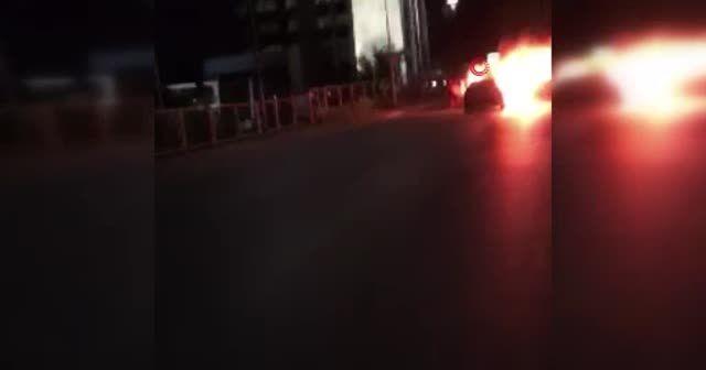 İşgalci İsrail'in saldırılarını protesto için arabasını yaktı