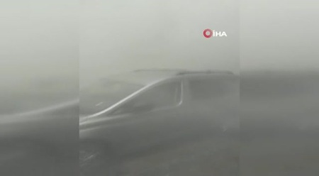 Zeytinburnu'nda boşaltılan binanın çökme anı kamerada
