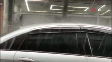 İstanbul'da dolu yağışı! Trafik durma noktasına geldi