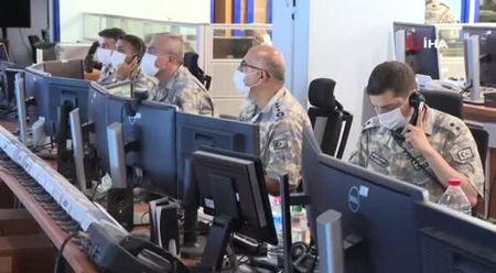 Bakan Akar, 28 terör hedefinin hava harekatı ile imha edildiği operasyonu sevk ve idare etti